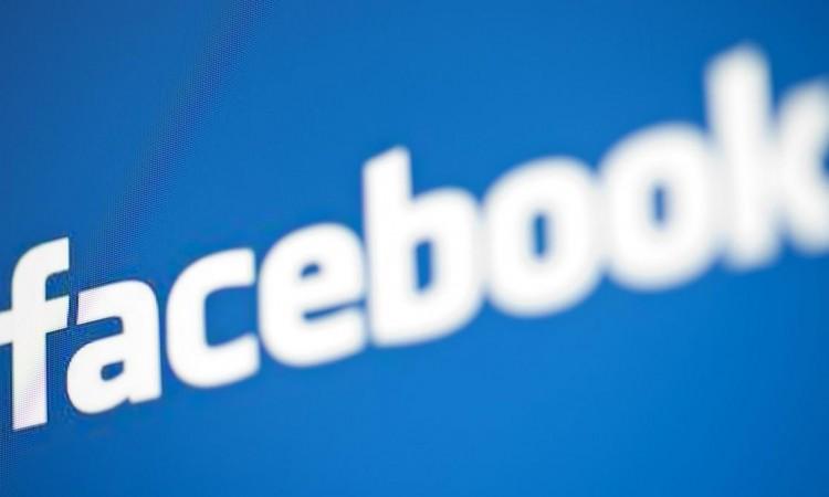 """Facebook e la funzione """"Invia messaggio"""""""